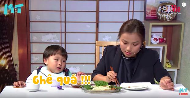 Quỳnh Trần JP réo tên Trấn Thành ngay trong lần đầu ăn thử đuông dừa trên truyền hình, loạt biểu cảm của bé Sa trước món này khiến fan cười ngất - Ảnh 16.