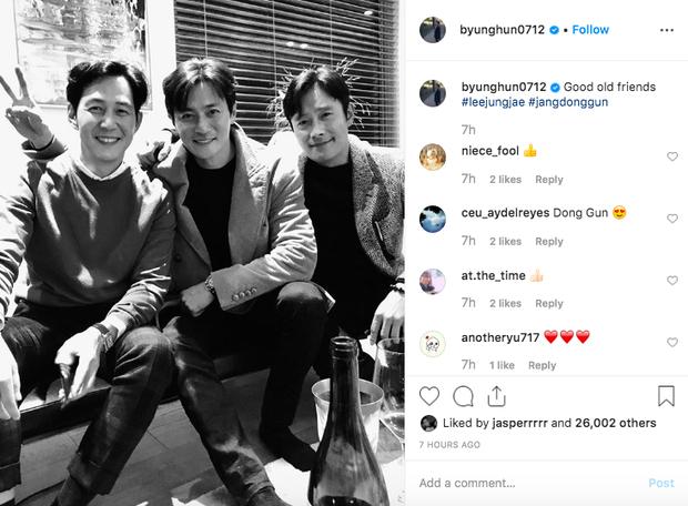 Bức ảnh trắng đen hot nhất xứ Hàn hôm nay: 3 tài tử quyền lực nhất Kbiz tụ hội, ai ngờ lại là bạn thân nhiều năm - Ảnh 1.