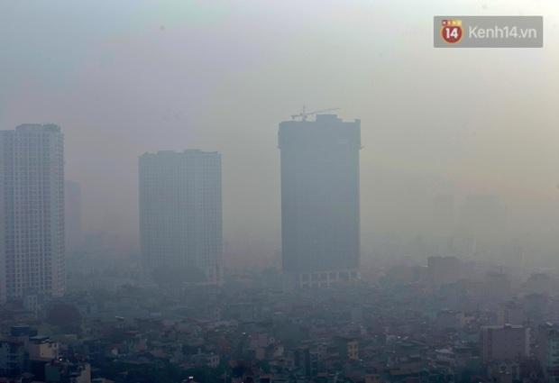 Không khí Hà Nội tiếp tục ô nhiễm nghiêm trọng khiến nhiều người phải thốt lên đầy hoang mang: Không muốn bước ra đường luôn - Ảnh 6.