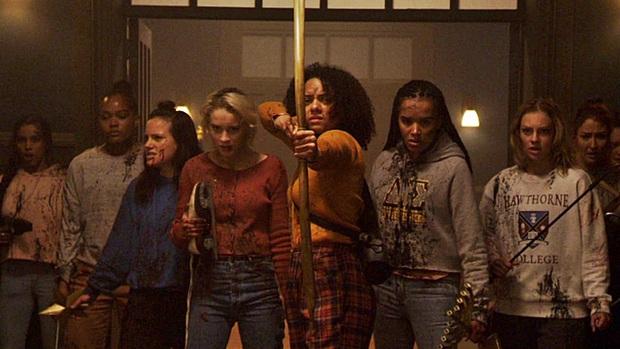 Cố đu trend nữ quyền, phim kinh dị Black Christmas thành thảm họa mùa Giáng Sinh - Ảnh 4.