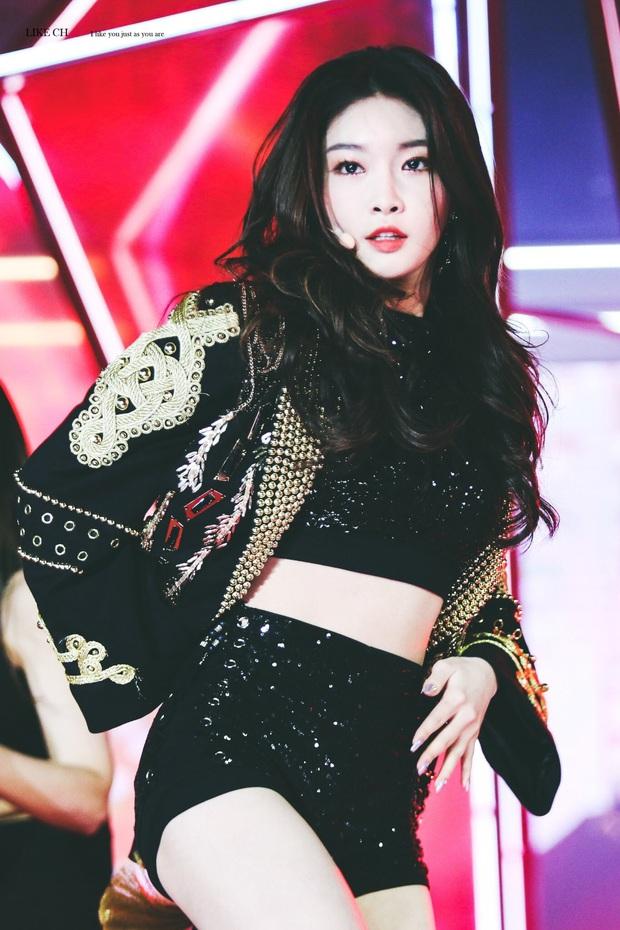 """Thần thái sân khấu của dàn nữ idol 96-line: Jennie (BLACKPINK) quyến rũ như nữ thần, thành viên TWICE và Red Velvet sexy hay cute đều """"cân"""" trọn - Ảnh 17."""