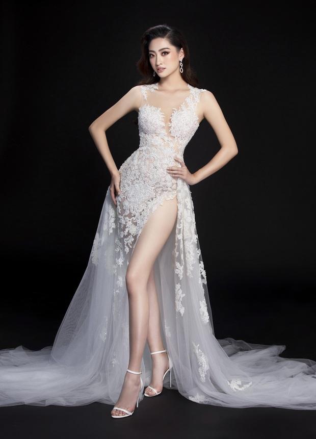 Lương Thùy Linh hé lộ trang phục dạ hội khoe đôi chân cực phẩm 1m22, đã sẵn sàng cho đêm chung kết Miss World tối nay - Ảnh 11.