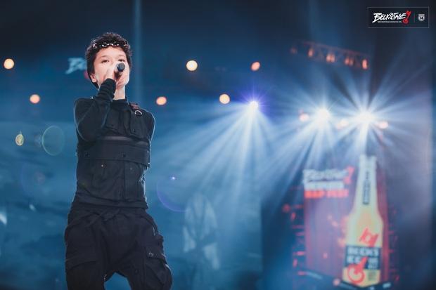 Tuy không thể biến mùa hạ thành mùa đông nhưng Tiên Tiên có thể biến sân khấu BeckStage thành concert riêng của mình! - Ảnh 4.