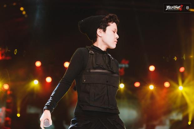 Tuy không thể biến mùa hạ thành mùa đông nhưng Tiên Tiên có thể biến sân khấu BeckStage thành concert riêng của mình! - Ảnh 3.