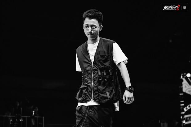 Bộ đôi rapper Rhymastic và Blacka mở màn đại nhạc hội BeckStage: Trình diễn Đây là Việt Nam, fan rap Việt chưa bao giờ tự hào đến thế! - Ảnh 5.