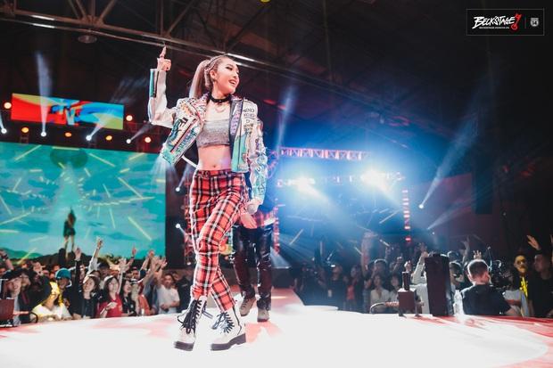BigDaddy và Emily chuốc say người hâm mộ bằng loạt bản hit đình đám trên sân khấu BeckStage Unexpected Rap Fest! - Ảnh 7.