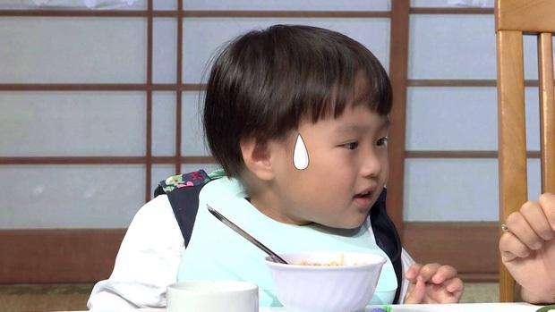 Quỳnh Trần JP réo tên Trấn Thành ngay trong lần đầu ăn thử đuông dừa trên truyền hình, loạt biểu cảm của bé Sa trước món này khiến fan cười ngất - Ảnh 9.