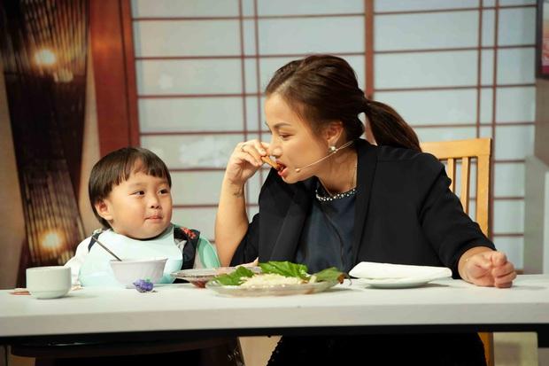 Ám ảnh nỗi đau mất con, Quỳnh Trần JP từng thức nguyên đêm trông chừng khi bé Sa mới chào đời - Ảnh 6.