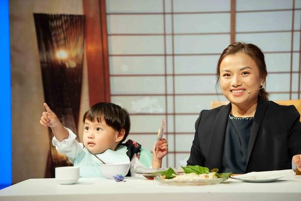 Ám ảnh nỗi đau mất con, Quỳnh Trần JP từng thức nguyên đêm trông chừng khi bé Sa mới chào đời - Ảnh 7.