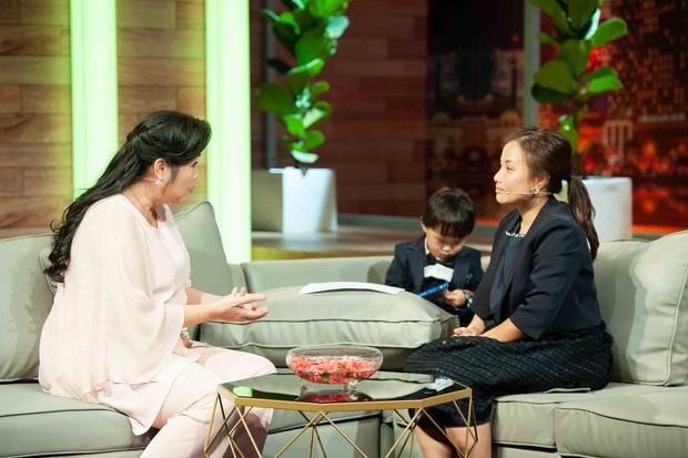 Ám ảnh nỗi đau mất con, Quỳnh Trần JP từng thức nguyên đêm trông chừng khi bé Sa mới chào đời - Ảnh 1.