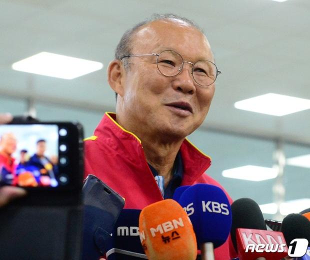 Báo Hàn hỏi khó về thẻ đỏ ở SEA Games, HLV Park Hang-seo phân trần: Tôi cố gắng không đánh mất nhân phẩm - Ảnh 1.