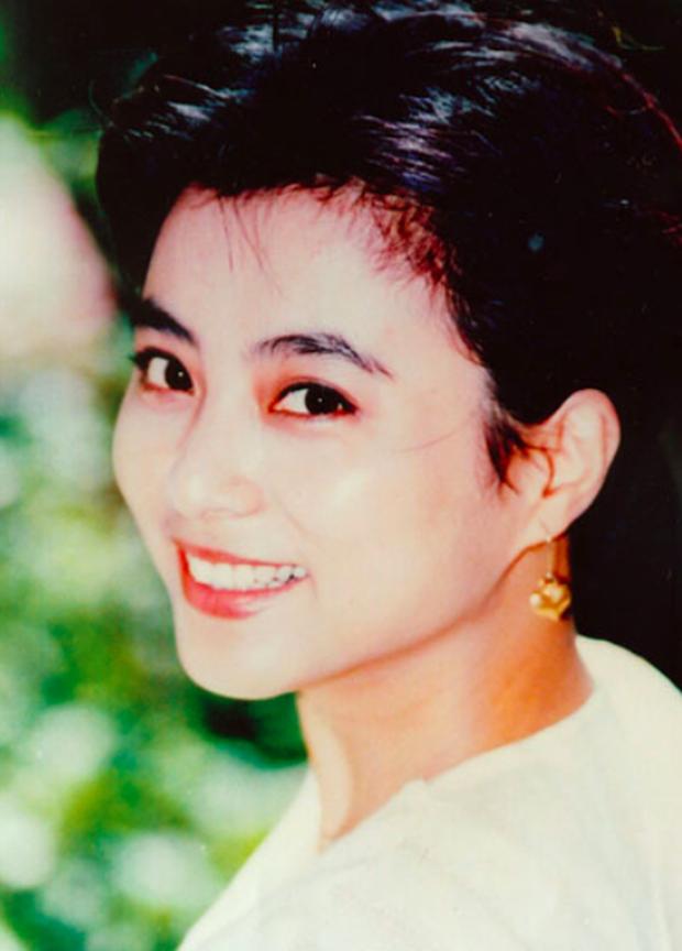 Mỹ nhân đẹp nhất nhì Tây du ký 1986: Bỏ chồng ngoại quốc, mang con về nước nuôi và nhan sắc bất ngờ ở tuổi U60 - Ảnh 4.