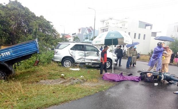 Nam sinh lớp 7 chết thảm trên đường đi học, cha và em nguy kịch sau tai nạn liên hoàn - Ảnh 3.