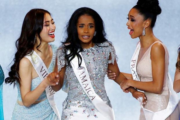 Dừng chân tại Top 12, Lương Thùy Linh dành lời đầu tiên cho Tân Miss World 2019 - Ảnh 2.