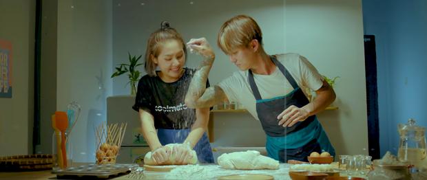 Rất nhanh gọn, chiếc bánh mì của Đạt G và Du Uyên đã im ỉm leo thẳng top 1 trending YouTube rồi! - Ảnh 3.