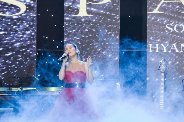 Đêm nhạc đã tai của Diva Hàn Quốc So Hyang hội tụ Trấn Thành - Hari Won, các giọng ca Trần Thu Hà, Tuấn Ngọc, Khánh Hà làm khán giả nín thở - Ảnh 1.