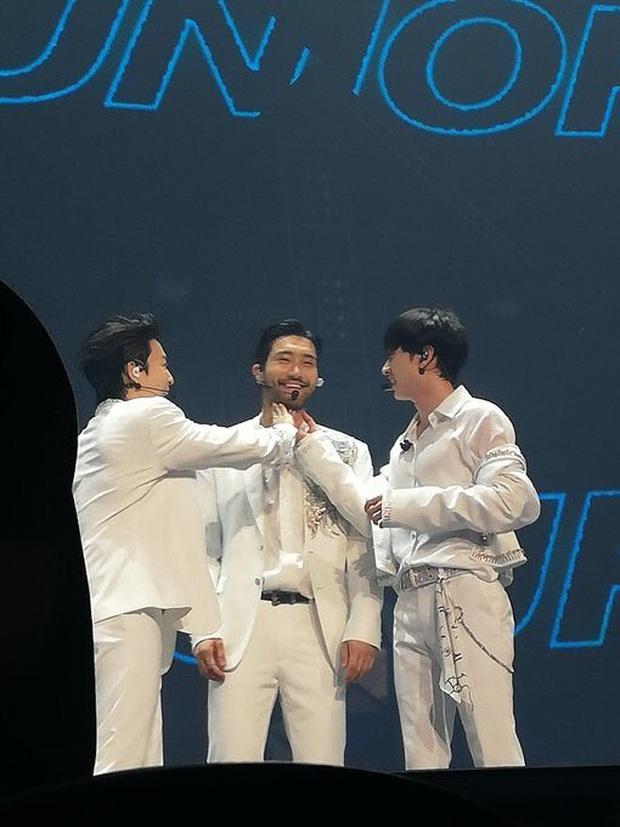Xin giới thiệu đây là Choi Siwon (Super Junior), nam thần một thời khiến hàng nghìn fan Kpop mê đắm - Ảnh 7.