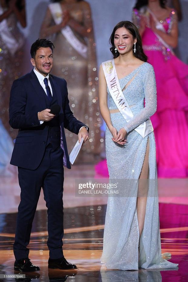 Hoa hậu Lương Thùy Linh tại Miss World 2019: Chăm tái chế đồ cũ, diện đồ đơn giản nhưng vẫn tỏa sáng rạng ngời - Ảnh 1.