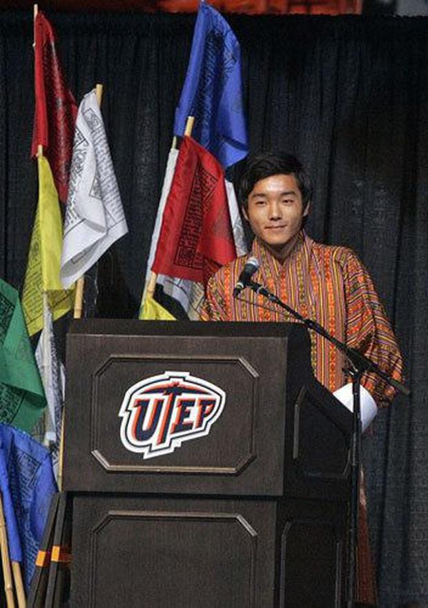 Hóa ra Bhutan lại có Hoàng tử cực phẩm như thế này, văn võ song toàn cùng ngoại hình nổi bật - Ảnh 2.