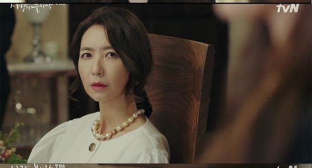 Tự tạo phốt với idol để tăng doanh thu, Son Ye Jin ăn đậm quyền thừa kế tỉ đô ngay tập 1 Crash Landing On You - Ảnh 6.