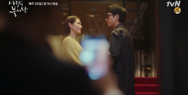 Tự tạo phốt với idol để tăng doanh thu, Son Ye Jin ăn đậm quyền thừa kế tỉ đô ngay tập 1 Crash Landing On You - Ảnh 3.