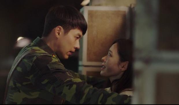 Tự tạo phốt với idol để tăng doanh thu, Son Ye Jin ăn đậm quyền thừa kế tỉ đô ngay tập 1 Crash Landing On You - Ảnh 10.