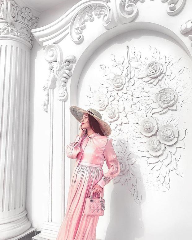 Có mẹ bỉm sữa nào được như Lan Khuê: Khi bầu bí thì thon gọn như không có gì, vừa sinh xong được vài ngày đã diện vừa in váy áo cũ - Ảnh 12.