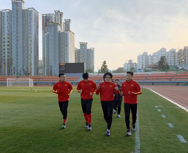 Quang Hải, Đình Trọng vẫn phải tập riêng ở ngày đầu tiên cùng U23 Việt Nam trên đất Hàn Quốc - Ảnh 1.
