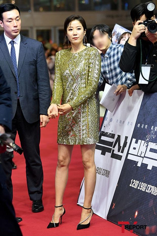 2 nữ thần Kpop dự sự kiện khủng cùng ngày: Yoona không còn bánh bèo, Suzy tăng cân vẫn quá xinh bên quân đoàn sao - Ảnh 7.