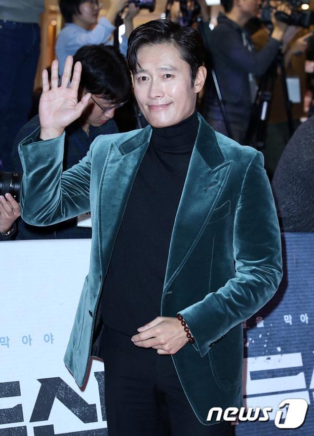 2 nữ thần Kpop dự sự kiện khủng cùng ngày: Yoona không còn bánh bèo, Suzy tăng cân vẫn quá xinh bên quân đoàn sao - Ảnh 9.
