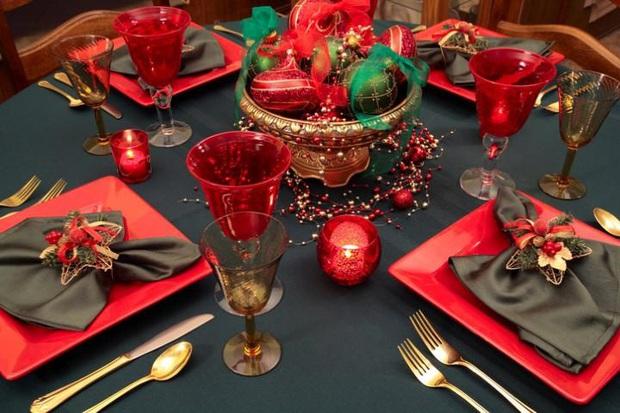 Những truyền thống đón Noel lạ đời trên khắp thế giới, chứng minh Giáng sinh không chỉ có mỗi Santa và cây thông - Ảnh 5.