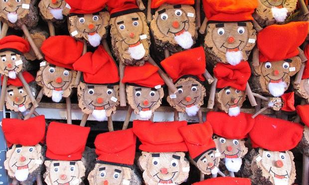Những truyền thống đón Noel lạ đời trên khắp thế giới, chứng minh Giáng sinh không chỉ có mỗi Santa và cây thông - Ảnh 2.