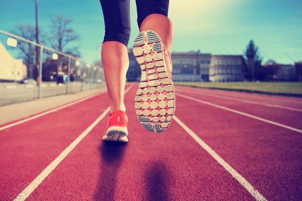 Đế giày có thể tiết lộ những vấn đề về sức khỏe, có 3 dấu hiệu bạn cần phải chú ý - Ảnh 3.