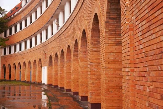Top trường Đại học sang chảnh, kiến trúc đẳng cấp, học phí trăm triệu đến vài tỷ dành cho hội nhà giàu ở Việt Nam - Ảnh 12.