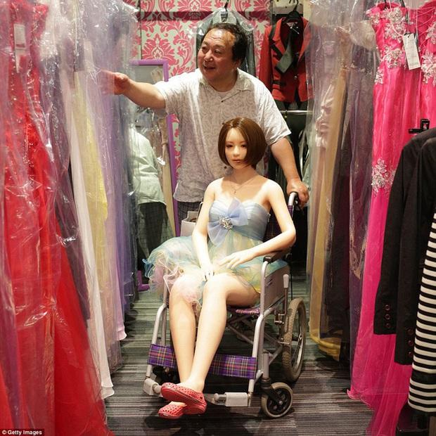 Nhiều đàn ông Nhật Bản quyết sống với búp bê tình dục dù có vợ con, hé lộ một loạt những mặt trái của phụ nữ ngày nay - Ảnh 4.