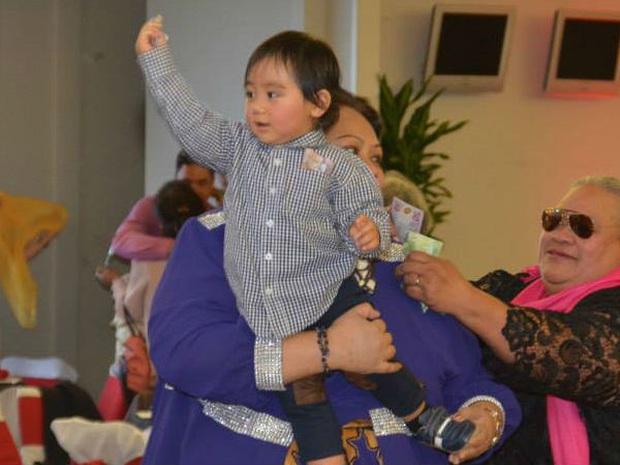Chân dung tiểu hoàng tử Tonga: Mới sinh ra nắm trong tay vận mệnh của một hoàng gia, càng lớn càng khiến người hâm mộ phát cuồng - Ảnh 8.