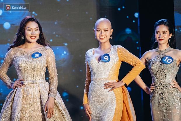 Nữ sinh ung thư 19 tuổi đạt danh hiệu Miss truyền cảm hứng của cuộc thi Duyên dáng Ngoại Thương: Em sẽ tiếp tục chiến đấu cho đến hơi thở cuối cùng - Ảnh 4.