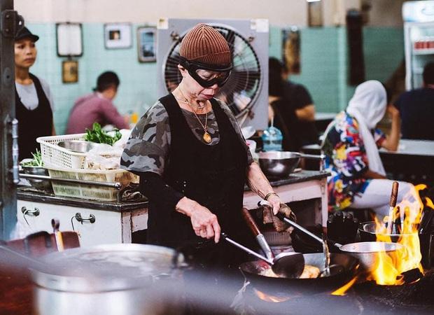 """Ở Thái Lan có 4 nhà hàng """"có nhiều tiền chưa chắc đã được ăn"""", nghe ngược đời nhưng thực tế lại đúng như vậy! - Ảnh 1."""