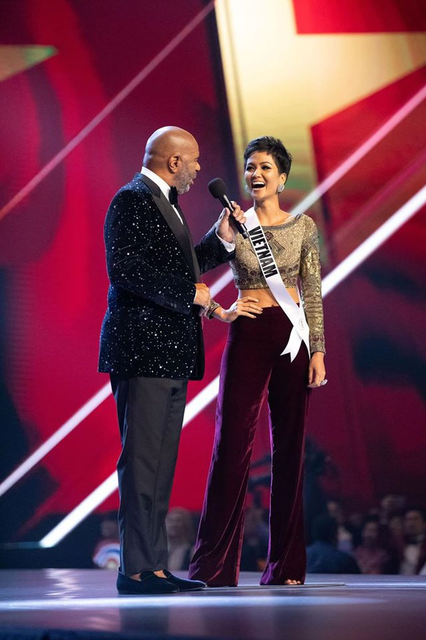 Ngày này năm trước HHen Niê lọt Top 5 Miss Universe, tạo cú hích chấn động nhan sắc Việt trên bản đồ thế giới - Ảnh 9.