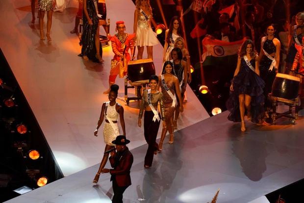 Ngày này năm trước HHen Niê lọt Top 5 Miss Universe, tạo cú hích chấn động nhan sắc Việt trên bản đồ thế giới - Ảnh 2.