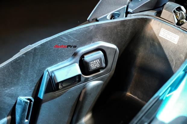 Sạc điện thoại trong cốp xe: Điểm mới của Honda Air Blade 2020 khiến nhiều người ái ngại và tranh cãi xôn xao - Ảnh 1.