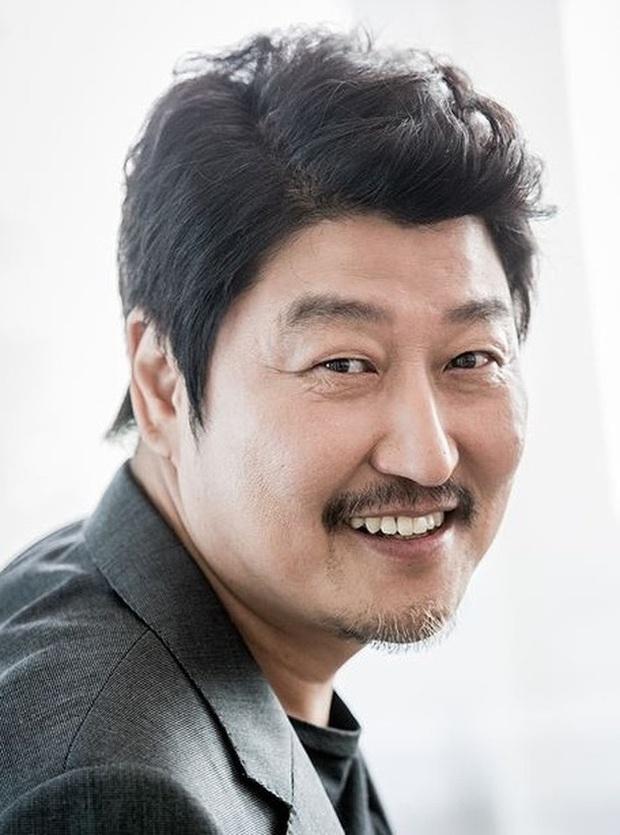 Công bố top 10 diễn viên điện ảnh hot nhất Hàn Quốc 2019: Mỹ nhân duy nhất có mặt giữa dàn tài tử đắt giá là ai? - Ảnh 1.