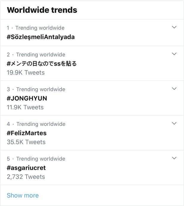 SM tưởng nhớ 2 năm Jonghyun (SHINee) qua đời Chúng tôi yêu cậu lắm, chục nghìn fan đưa cố nghệ sĩ lên top trend Twitter - Ảnh 3.