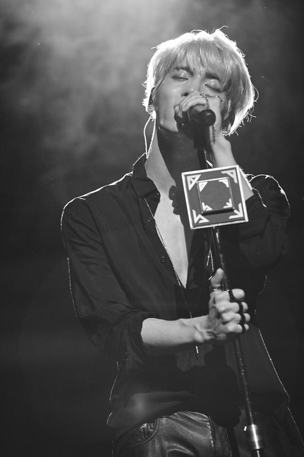 SM tưởng nhớ 2 năm Jonghyun (SHINee) qua đời Chúng tôi yêu cậu lắm, chục nghìn fan đưa cố nghệ sĩ lên top trend Twitter - Ảnh 2.