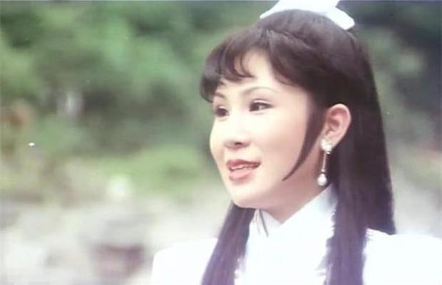 51 nồi bánh chưng vẫn tự tin diễn vai Tiểu Long Nữ, showbiz Hoa Ngữ không ai tự tin lại Dương Quân Quân - Ảnh 1.