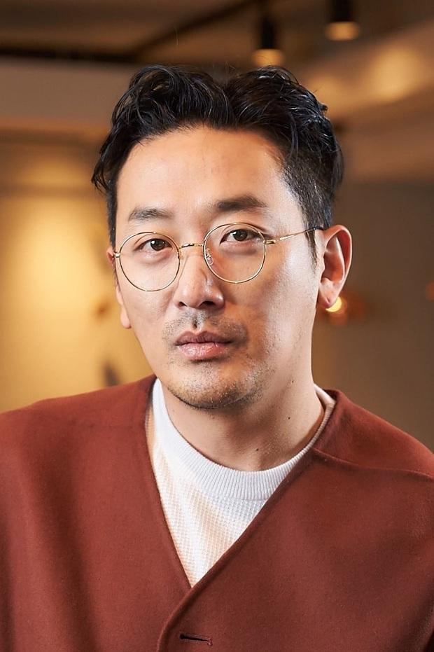 Công bố top 10 diễn viên điện ảnh hot nhất Hàn Quốc 2019: Mỹ nhân duy nhất có mặt giữa dàn tài tử đắt giá là ai? - Ảnh 6.