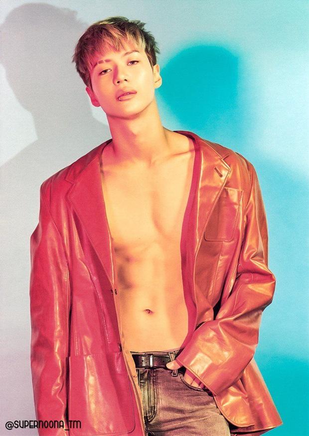 10 màn lột xác ngoạn mục nhất Kpop: Thủ lĩnh BTS đúng là đổi đời, nữ thần thăng hạng nhưng chưa sốc bằng Taemin - Ảnh 21.