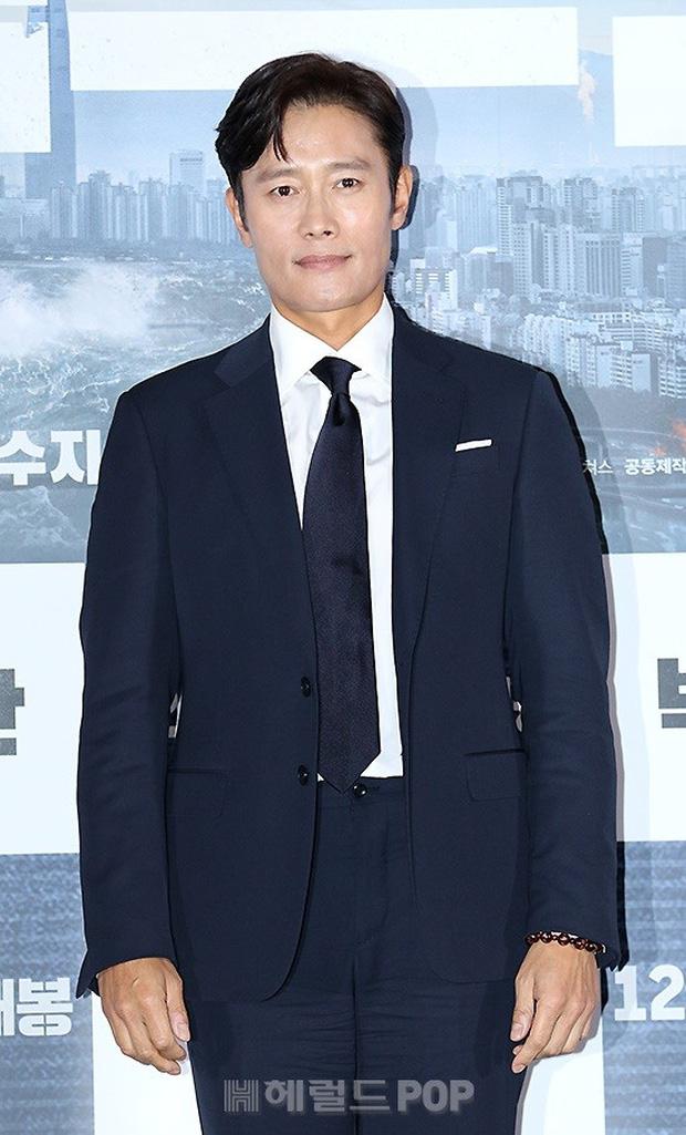 Được hàng triệu người khao khát, Suzy làm gì mà hết Park Bo Gum lại đến tài tử Lee Byung Hun tránh như tránh tà? - Ảnh 9.