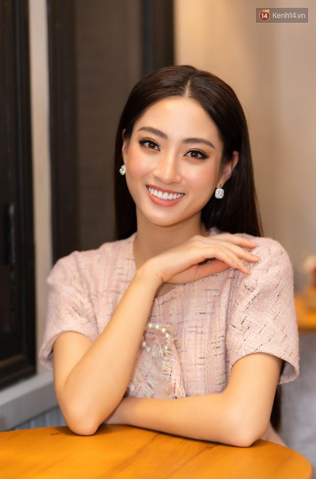 Gặp Lương Thùy Linh sau thành tích Top 12 Miss World: Tôi là nhân chứng sống của chân dài mà não không ngắn - Ảnh 4.