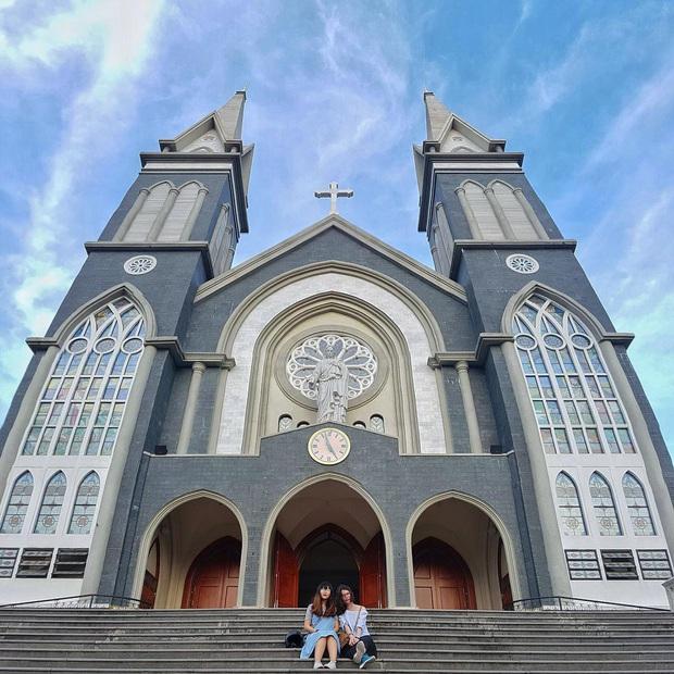 4 nhà thờ tuyệt đẹp cho team Sài Gòn hốt hình sống ảo mỏi tay dịp Giáng sinh, rủ hội bạn check-in ngay kẻo lỡ! - Ảnh 18.